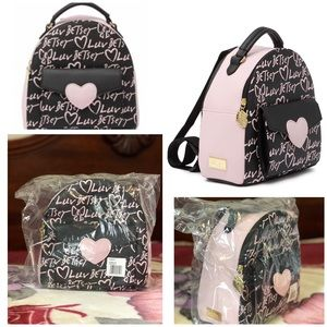 💕Luv BETSEY Leahh mid size backpack NWT
